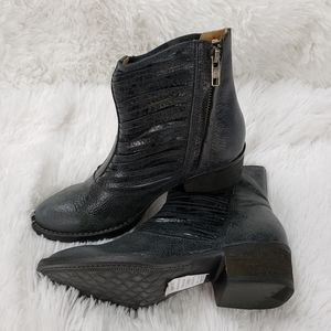 Very Volatile Gray Zipper Ankle Booties size 6